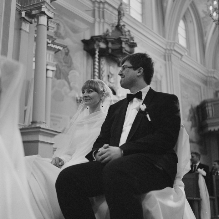bride and groom film portrait - medium format photography reportage