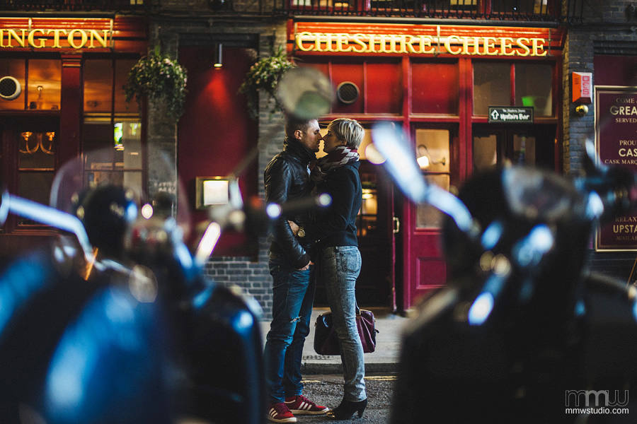 engagement  session London, top wedding photographer from Birmingham
