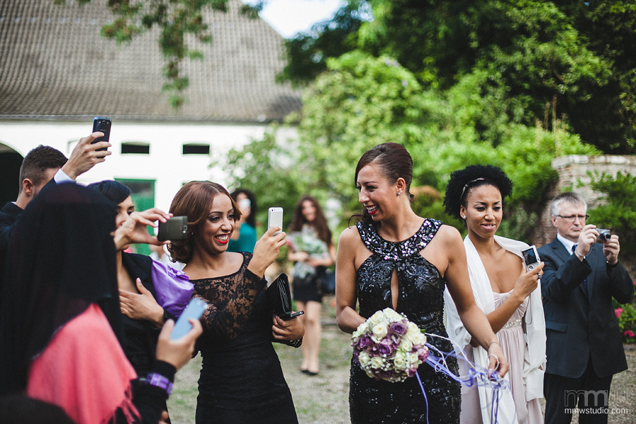 natural wedding guests portrait