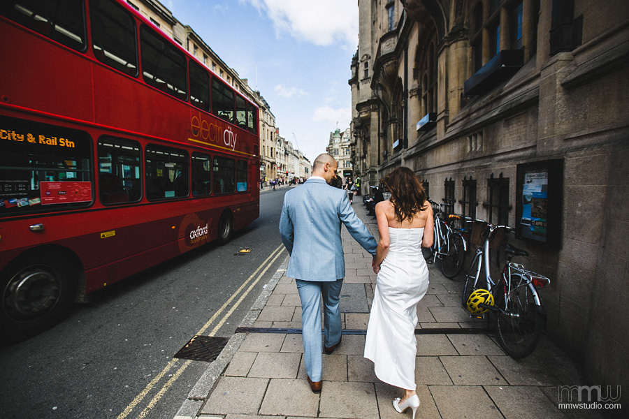 wedding in Oxford, Oxfordshire by wedding photographer MMWstudio
