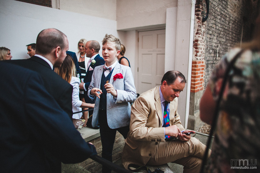 non intrusive wedding reportage