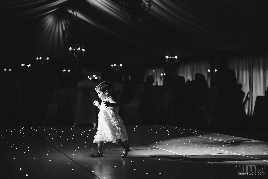 kids on the wedding, contemporary weddin reportage