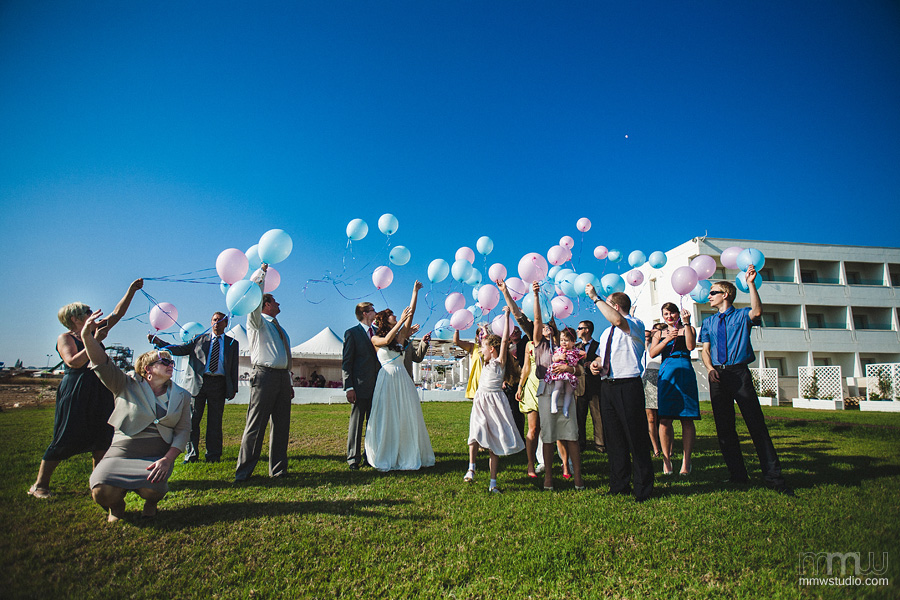 baloons at the wedding in Cyprus - Aiya Napa, Aphrodite Beach