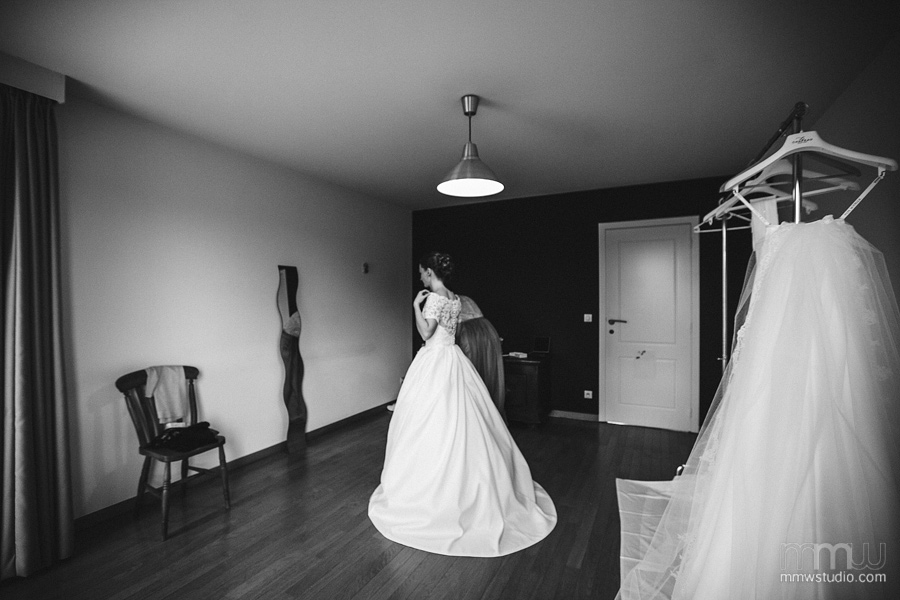 Bride preparations wedding reportage